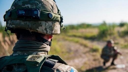 Неспокійно на Донбасі: 9 обстрілів, один військовий загинув, ще один поранений