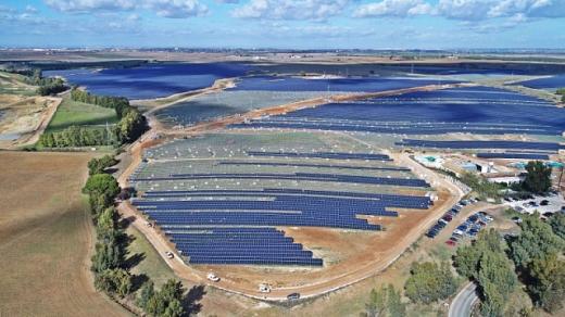 Польша почала будувати найбільшу в країні сонячну станцію