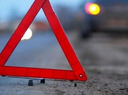 В Ужгороді поліцейські надали домедичну допомогу постраждалому в автопригоді мотоциклісту