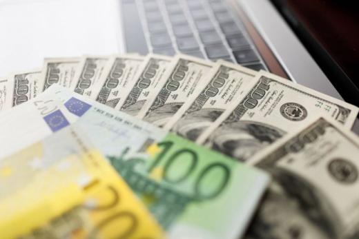 Курс валют на 31 липня: вартість долара та євро дещо зросла