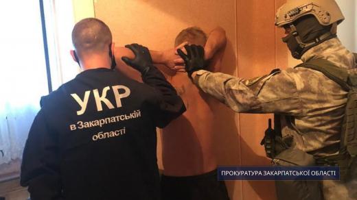 Напали на ювелірний магазин у Закарпатті: зловмисникам погодили підозру
