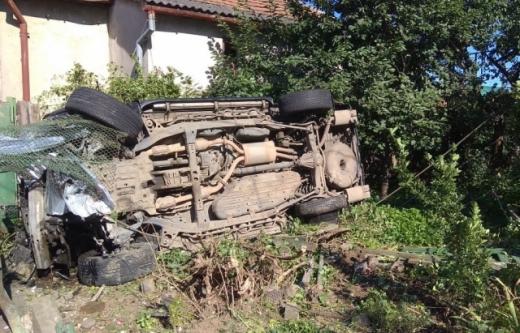 Вибухнуло колесо: на Закарпатті сталася моторошна аварія