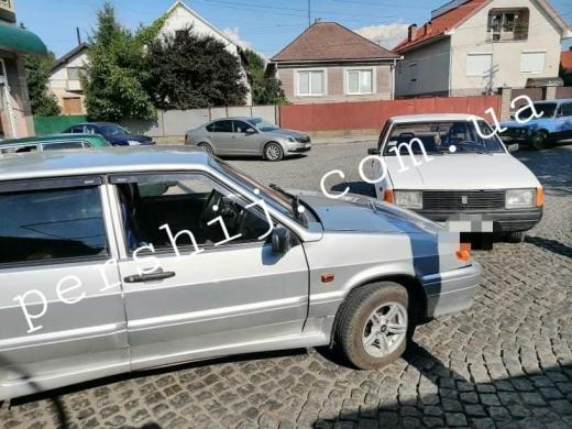 На перехресті в Мукачеві сталася аварія (ФОТО)