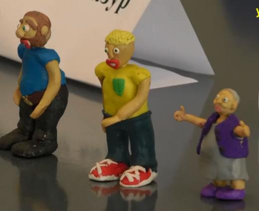 В Ужгороді школяр ліпить героїв для передвиборчого мультфільму (ВІДЕО)