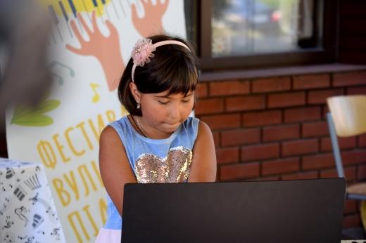 Фестиваль вуличного піаніно сьогодні відбувся в Ужгороді