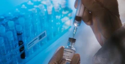 Росія заявила про старт масового виробництва вакцини від COVID-19