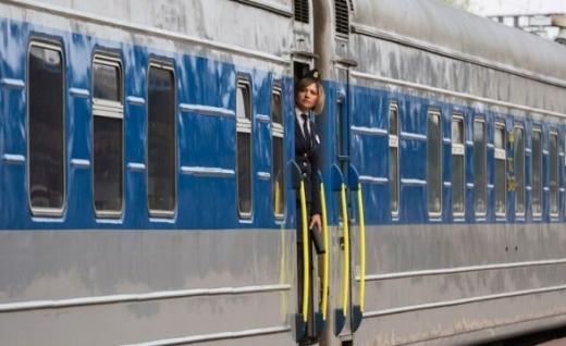 Укрзалізниця пустить 2 додаткові поїзди до Дня Незалежності