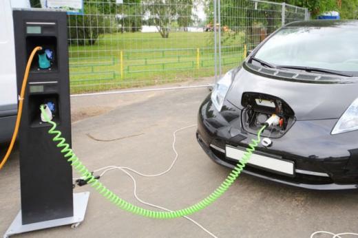 Мінінфраструктури ініціює встановлення електрозаправок на всіх автодорогах України