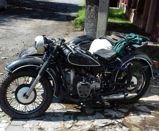 В Ужгороді двоє чоловіків вкрали раритетний мотоцикл і відразу ж продали його