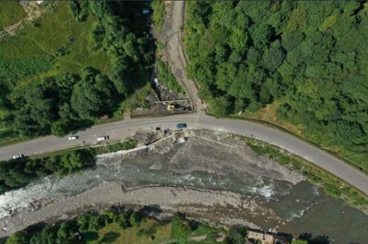 Будівництво у рамках нової програми президента розпочали біля одного із природних водоспадів на Закарпатті