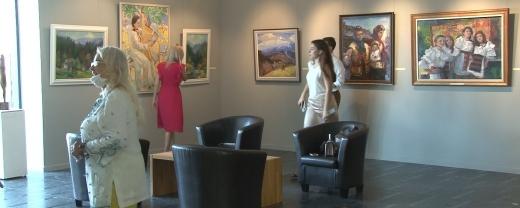 Закарпатські художники представили свої роботи на виставці до Дня Незалежності