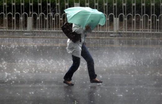 Синоптики попереджають про сильні зливи на Закарпатті
