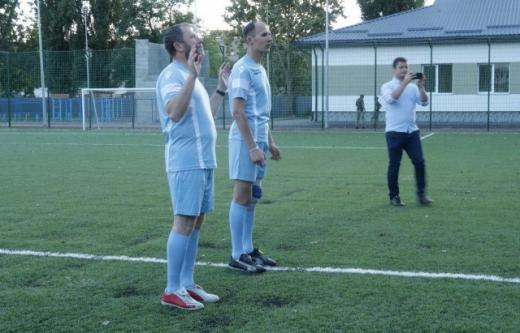 У Мукачеві відбувся футбольний матч між військовими і священниками (ФОТО)