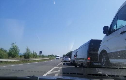 Затори утворилися на трасі поблизу Мукачева: відома причина