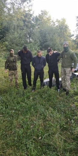 За добу закарпатські прикордонники затримали шістьох тютюнових контрабандистів