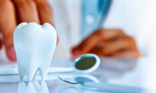Лікування зубів під мікроскопом: ювелірна точність і якість