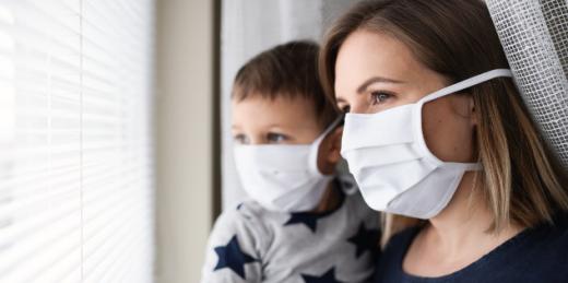 Коли вакцину проти COVID-19 зможуть масово застосовувати в Україні