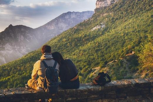 Романтична подорож в Карпати