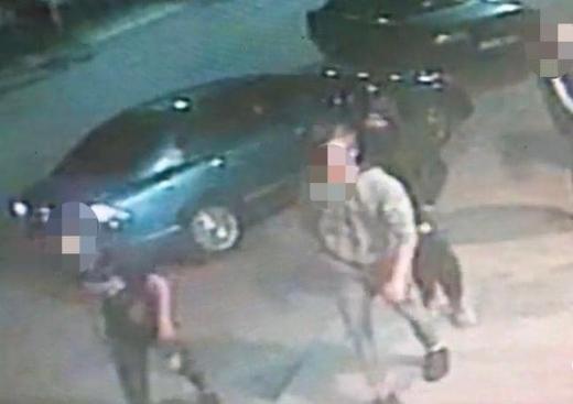 В Ужгороді 15-річний хлопець з пневматичним пістолетом обікрав АЗС
