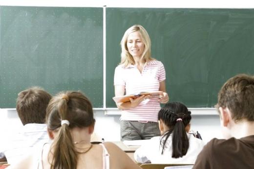 У МОН назвали суми підвищення зарплат для вчителів у 2021