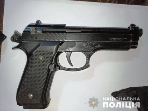 Поліція розслідує конфлікт у Виноградові, який закінчився стріляниною