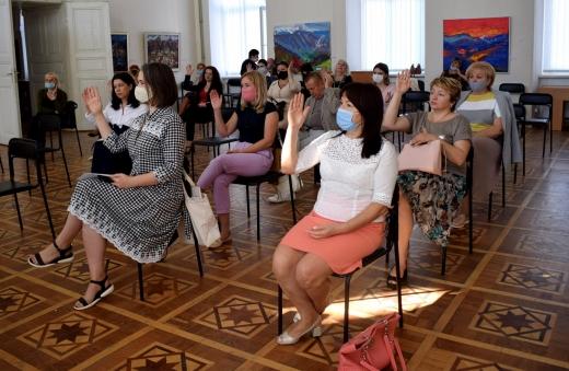В Ужгороді підбили підсумки 5-річної роботи міської організації Товариства Червоного Хреста