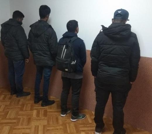 На Виноградівщині затримали жителя Кривого Рогу, який намагався переправити через кордон нелегалів