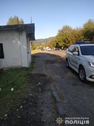Двоє молодих чоловіків загинули в ДТП на Іршавщині: водій врізався в автобусну зупинку