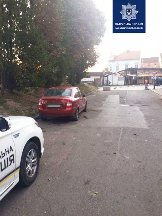 Патрульні розшукують очевидців ДТП в Ужгороді
