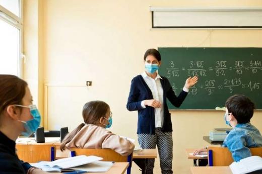 Школи отримають додаткові кошти на маски та антисептики