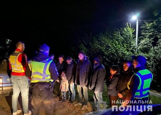 На Ужгородщині виявили групу нелегалів: серед них жінки і діти