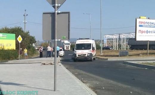 Аварія за участі карети швидкої допомоги сталася в Ужгороді (ФОТО)