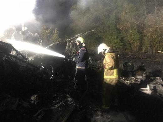 На місці катастрофи літака АН-26 знайшли тіла всіх загиблих, одна людина вижила