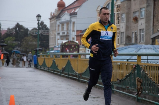 В Ужгороді відбувся двокілометровий забіг в пам'ять про загиблих воїнів-захисників України