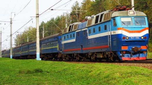 Укрзалізниця відкриває продаж квитків на 4 поїзди до Закарпаття