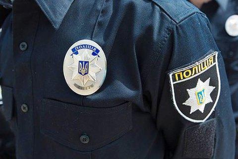 Поліцейські Ужгорода затримали зловмисників, які обікрали автівку