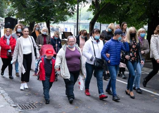 В центрі Ужгорода відбувся масштабний марш-ходотон