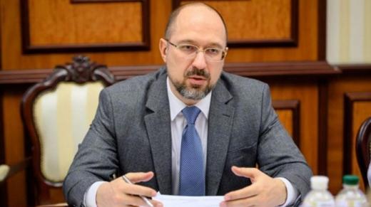 Прем'єр-міністр заявив, що Україна не зможе виплачувати пенсії через 15 років