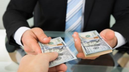За кредитами в Україні не платить кожен другий позичальник