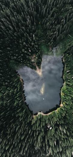 Синевир та перевал на Закарпатті показали із висоти пташиного польоту: яскраві ФОТО