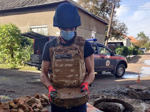 Під час прочистки каналізації у Берегові виявили вибухонебезпечні предмети (ФОТО)