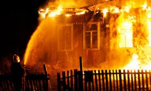 На Перечинщині вщент згорів дерев'яний будинок