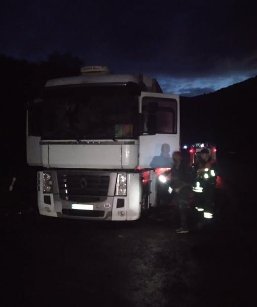 На автошляху Київ-Чоп горіла вантажівка: що відомо