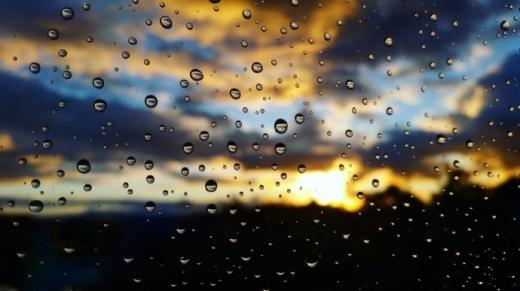 У середу більшість областей України накриють дощі