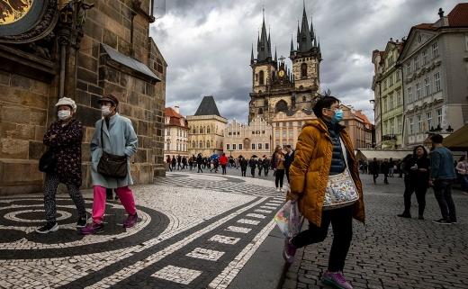 У Чехії різко збільшилась кількість заражень коронавірусом: 8618 випадків за добу