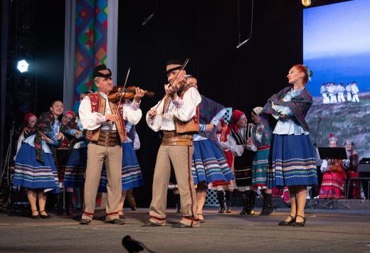Закарпатський народний хор гучно відсвяткував 75-річчя