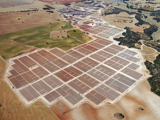 В Іспанії побудують 169-мегаватну сонячну станцію з системою стеження за сонцем