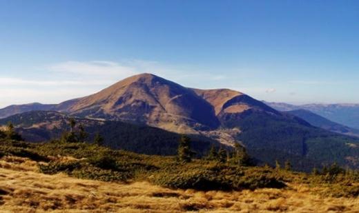 Мальовничий Петрос Чорногірський: маршрути на відому вершину, яку називають Перуновою