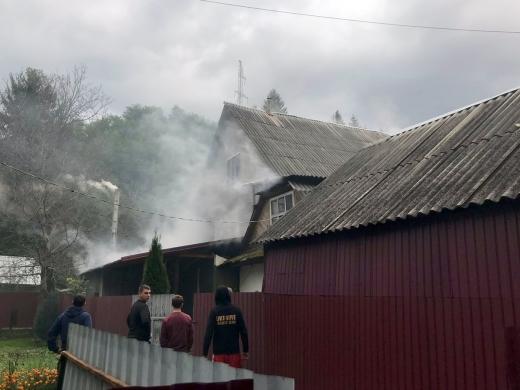 У Міжгір'ї пожежники гасили пожежу в котельні та житловому будинку (ФОТО)