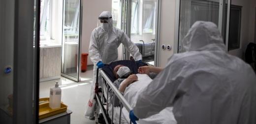 Одна людина померла та 165 нових хворих на COVID-19 за минулу добу на Закарпатті